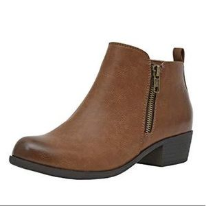 Dunes Dolly Ankle Boots | Size: 9.5 | Chestnut